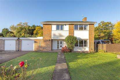 4 Bedrooms Detached House for sale in Mereside, Orpington