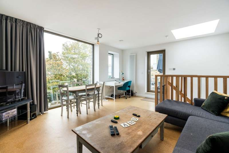 2 Bedrooms Town House for rent in Choumert Road, London