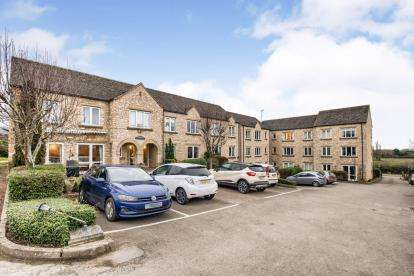 1 Bedroom Flat for sale in Bredon Court, Station Road, Broadway, Worcestershire