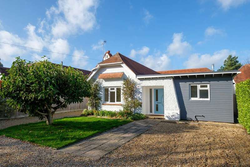 3 Bedrooms Detached Bungalow for rent in Swains Road, Bembridge