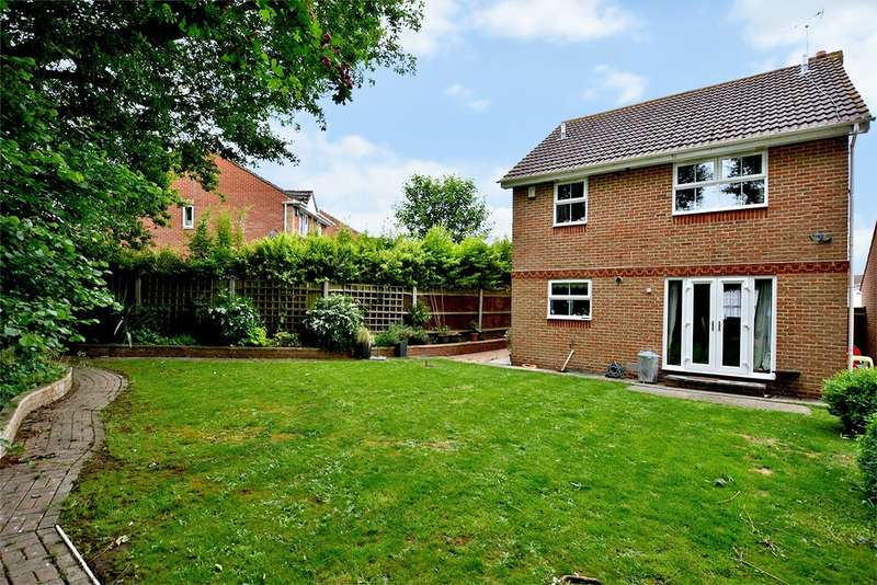 4 Bedrooms Detached House for sale in Friesian Way, Kennington, Ashford