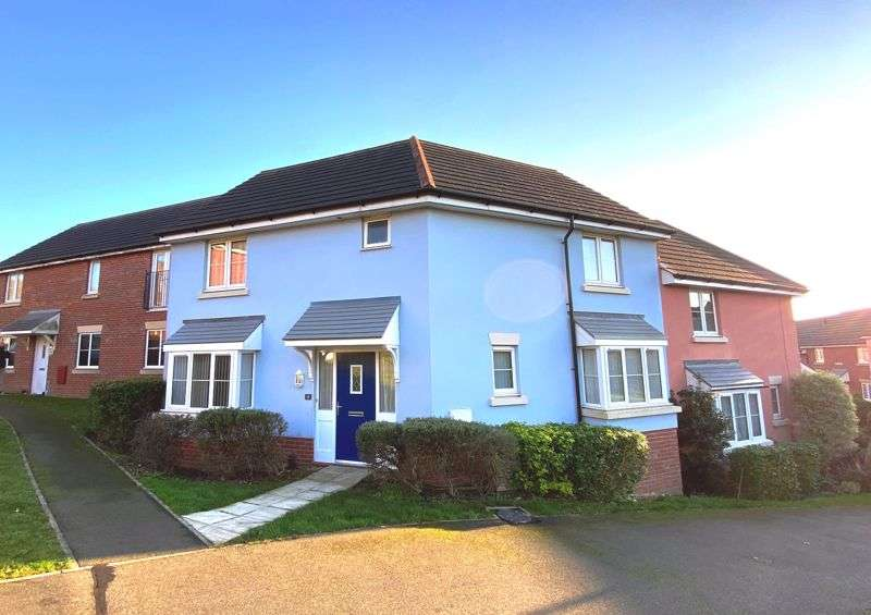 3 Bedrooms Property for sale in East Cowes, PO32 6GA