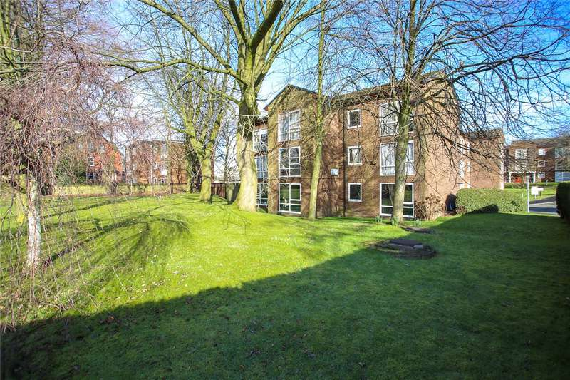 Apartment Flat for rent in Spathfield Court, Holmfield Road, Heaton Norris, Stockport, SK4