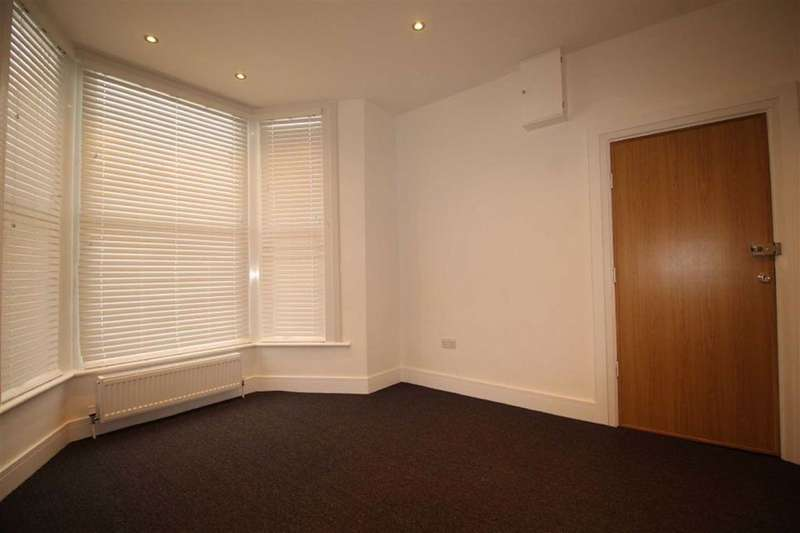 1 Bedroom Flat for rent in Elgin Road, London, London