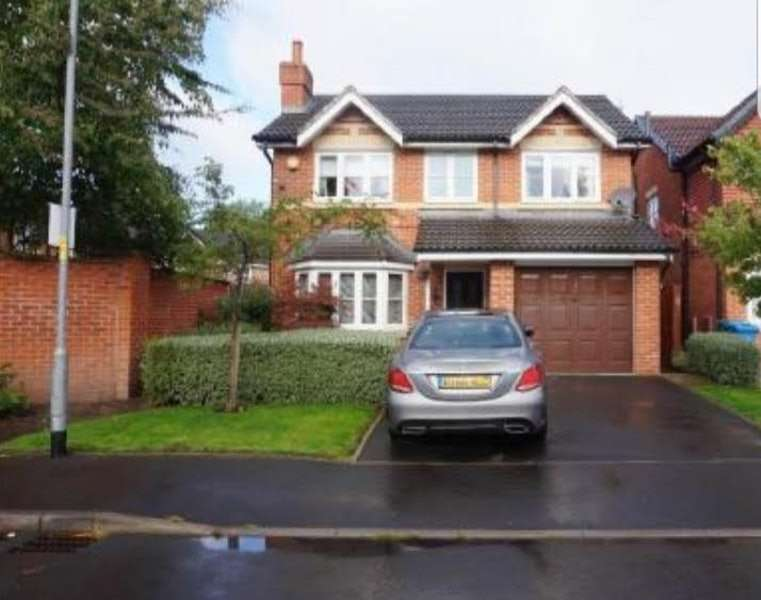 4 Bedrooms Detached House for sale in Rimsdale Drive, Manchester, Greater Manchester, M40