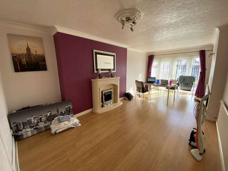 3 Bedrooms Semi Detached House for sale in Cosgrove Crescent, Manchester, Greater Manchester, M35