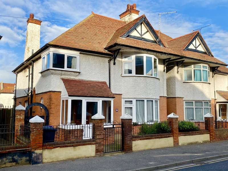 4 Bedrooms Semi Detached House for sale in Avenue Road, Herne Bay