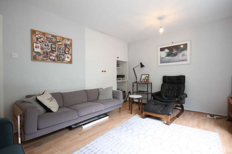 4 Bedrooms House for rent in Penderyn Way, Tufnell Park, N7