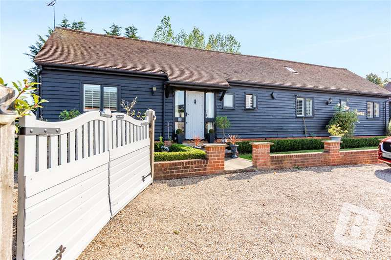 3 Bedrooms Bungalow for sale in Norton Heath, Ingatestone, CM4