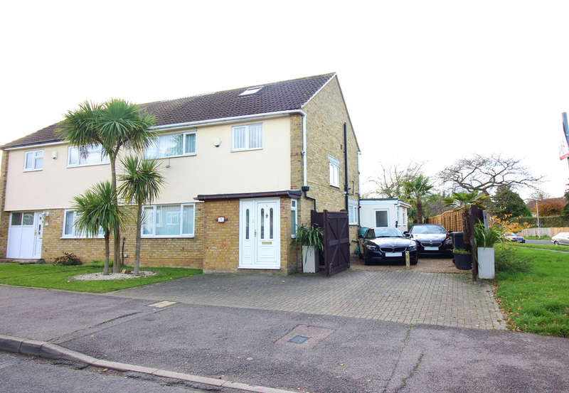 3 Bedrooms Semi Detached House for sale in The Downs, Harlow, CM20