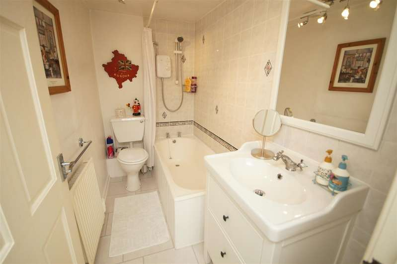 2 Bedrooms Cottage House for rent in Holmes Cottages, Temple Road, Smithills, Bolton