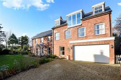 5 Bedrooms House for rent in Grove Pastures, Lymington