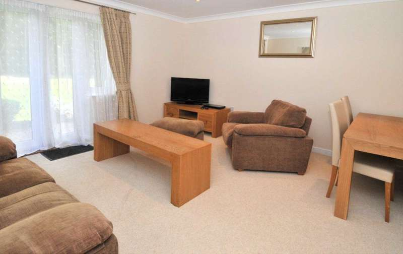 2 Bedrooms Apartment Flat for rent in Lampson Court, Copthorne Common Road, Copthorne
