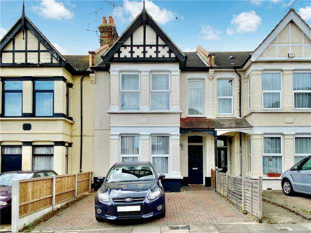 2 Bedrooms Apartment Flat for sale in Leamington Road, Southend-on-Sea, Essex