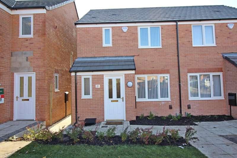 3 Bedrooms Semi Detached House for rent in Kirkwall Way, Heywood