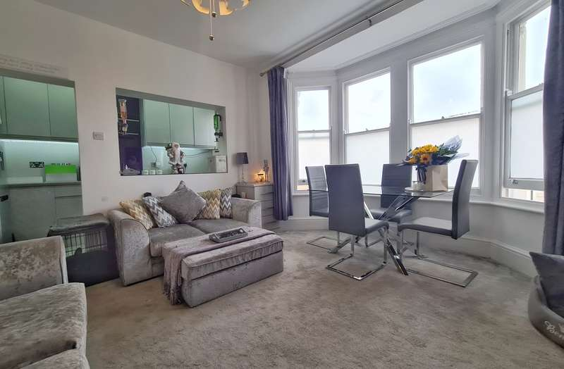 1 Bedroom Flat for sale in Rose & Crown Mews, Southminster