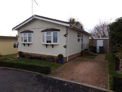 2 Bedrooms Mobile Home for sale in Althorne, Chelmsford, Essex