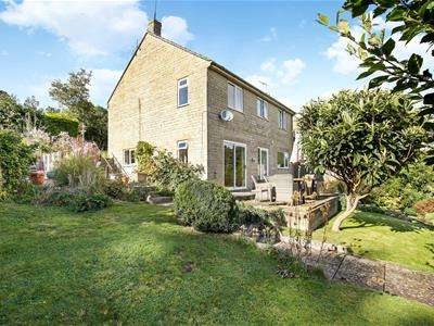 3 Bedrooms Detached House for sale in Keble Road, France Lynch, Stroud