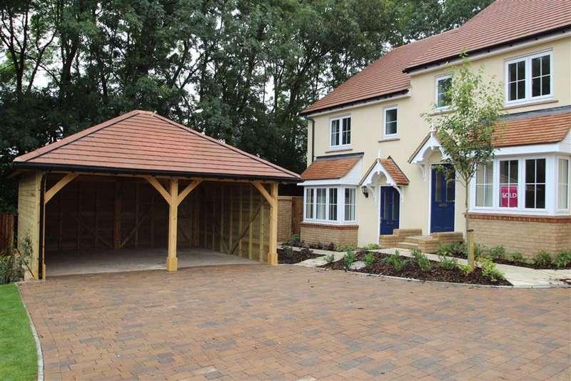 3 Bedrooms Semi Detached House for sale in Britannia Close, Hemel Hempstead
