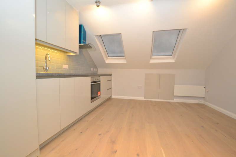 1 Bedroom Flat for rent in Kneller Road, Whitton