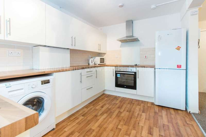 5 Bedrooms House for rent in Mildred Street, Salford