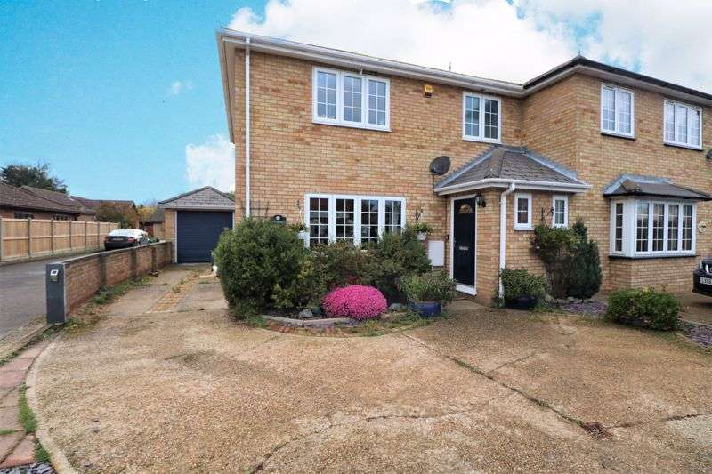 3 Bedrooms Property for sale in Plough Road, Great Bentley, Colchester
