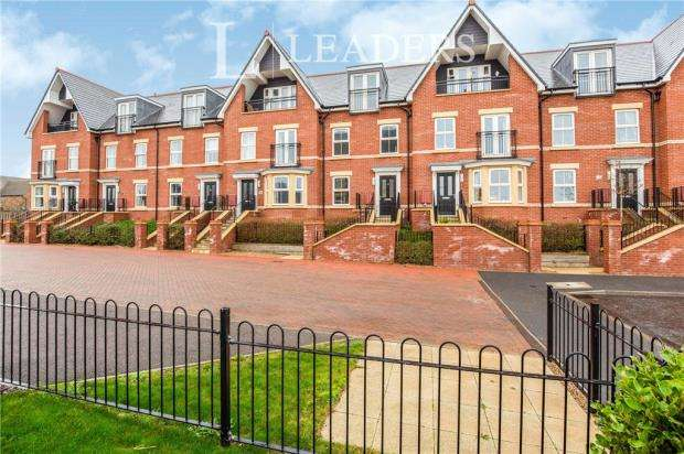 3 Bedrooms Terraced House for sale in Old Fort Road, Felixstowe, Suffolk