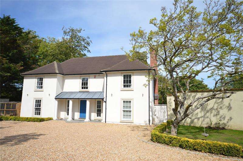 4 Bedrooms Detached House for sale in Barrows Lane, Sway, Lymington, SO41