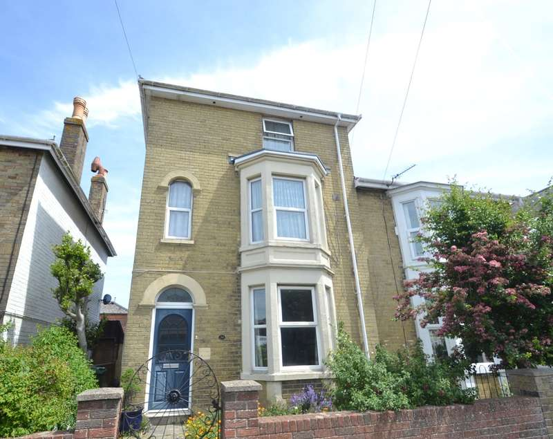 5 Bedrooms Semi Detached House for rent in West Street, Ryde