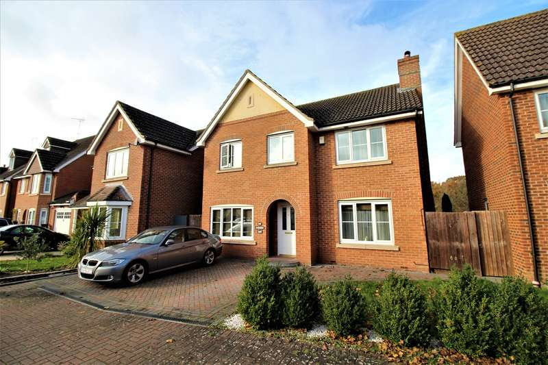 4 Bedrooms Detached House for sale in Bluebell Way, Hatfield, AL10
