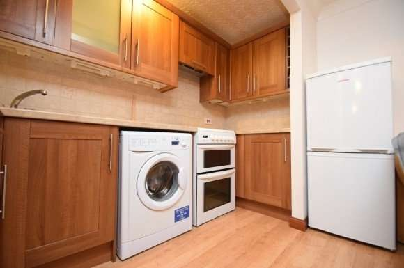 2 Bedrooms Flat for rent in Cromwell Court, Shore Street, City Centre