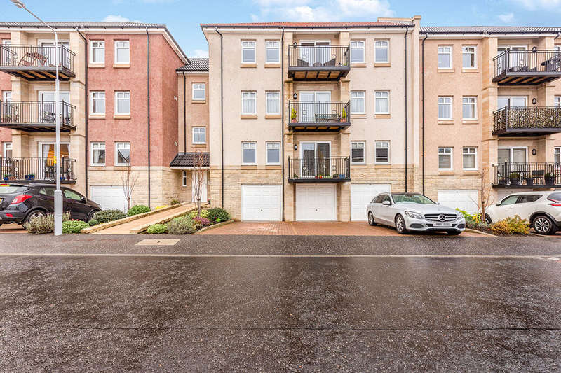 2 Bedrooms Apartment Flat for sale in Caledonia Road, Kirkcaldy, Fife, KY2