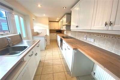 3 Bedrooms Cottage House for rent in Station Road - Docking