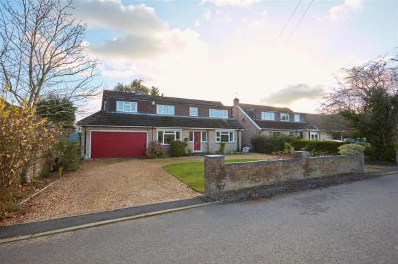 5 Bedrooms Property for sale in Pelican Road, Pamber Heath, Tadley