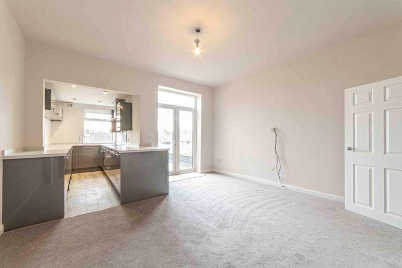 3 Bedrooms End Of Terrace House for sale in Stamford Road, Lees, Oldham, OL4 3NB