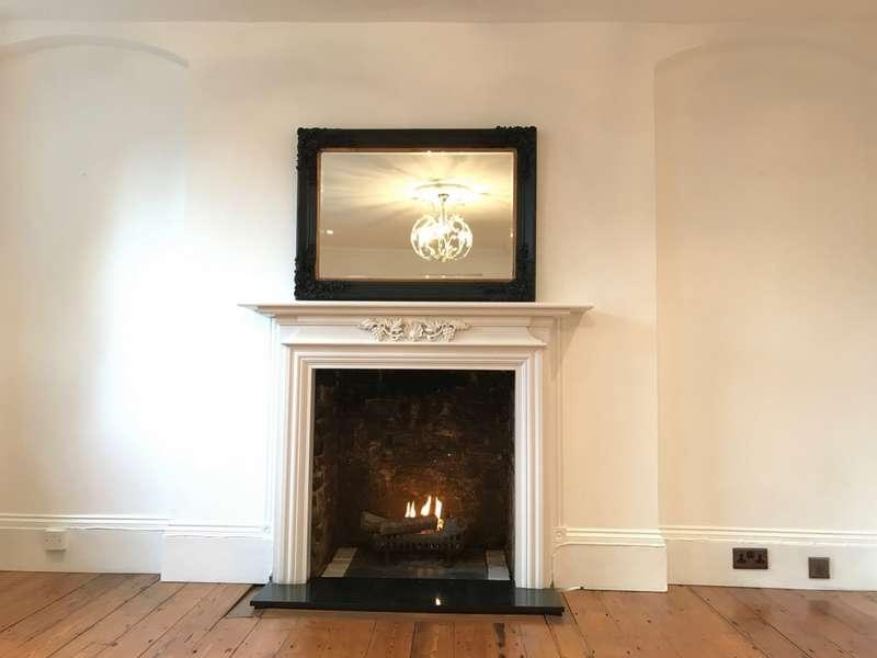 3 Bedrooms Flat for rent in Kidbrooke Grove, Blackheath, SE3