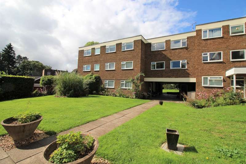 2 Bedrooms Flat for sale in Northcotts, Hatfield, AL9