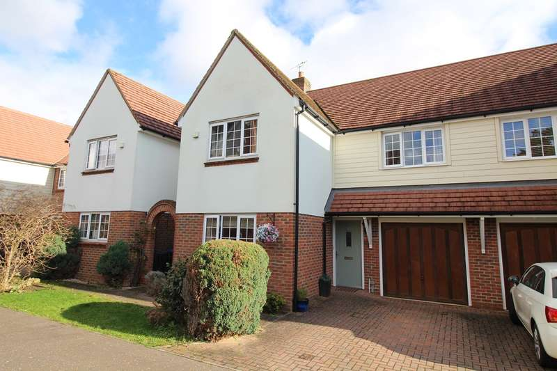 4 Bedrooms Semi Detached House for sale in Old Rectory Drive, Hatfield, AL10