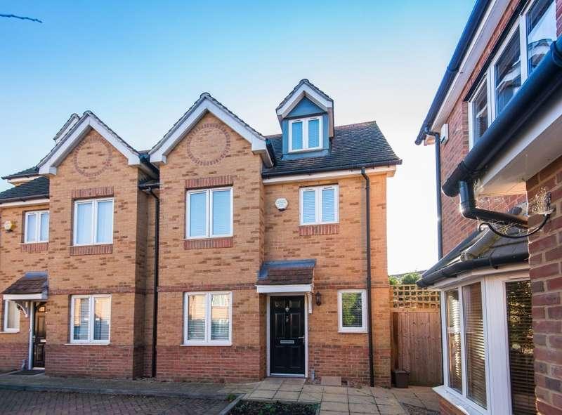 4 Bedrooms Property for rent in Linden Close, Iver Heath, SL0