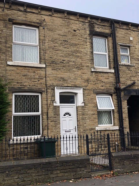 3 Bedrooms Terraced House for rent in Oddy Street, Bradford, BD4
