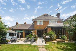 5 Bedrooms Detached House for sale in Lydd Road, New Romney, Kent
