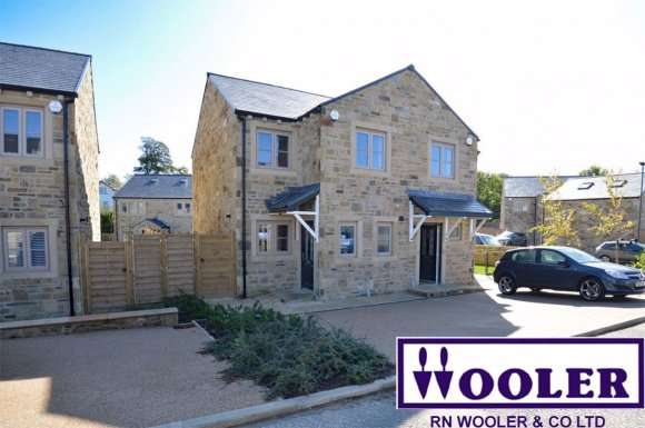 2 Bedrooms Property for rent in Higher Raikes Avenue, North Yorkshire