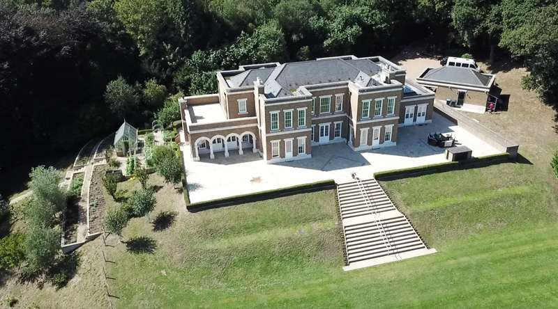 6 Bedrooms Detached House for rent in Hollow Lane House, Wentworth Estate