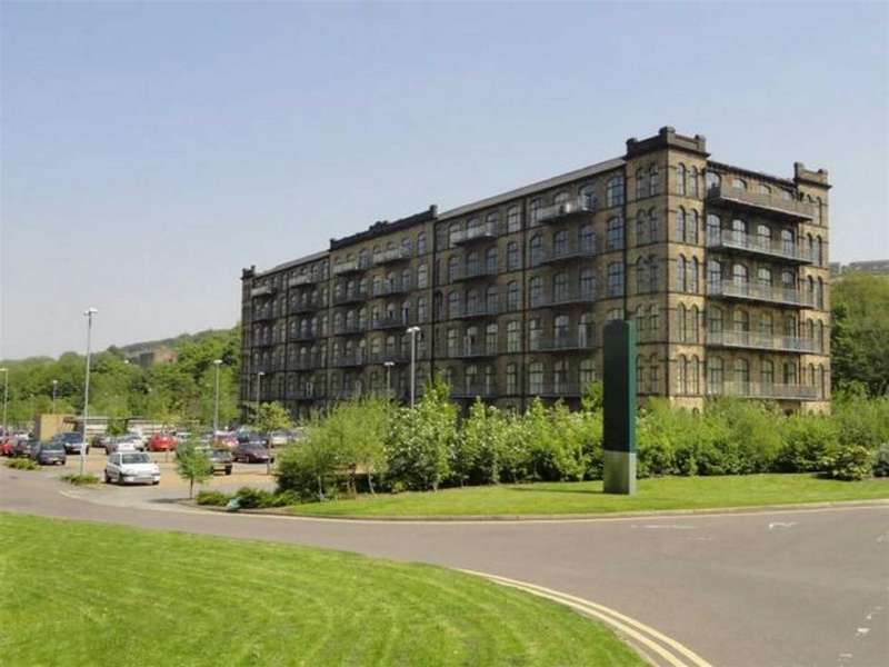 2 Bedrooms Flat for rent in Titanic Mill, Huddersfield