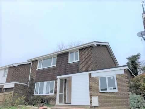 8 Bedrooms Property for rent in Glen Iris Avenue, Canterbury, Canterbury