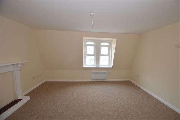 1 Bedroom Flat for rent in Bank Street, Newton Abbot, Devon. TQ12 2JL