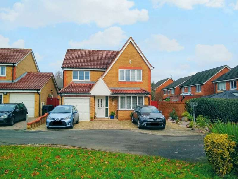 4 Bedrooms Detached House for sale in Extended 4 bedroom detached family home with ensuite to master