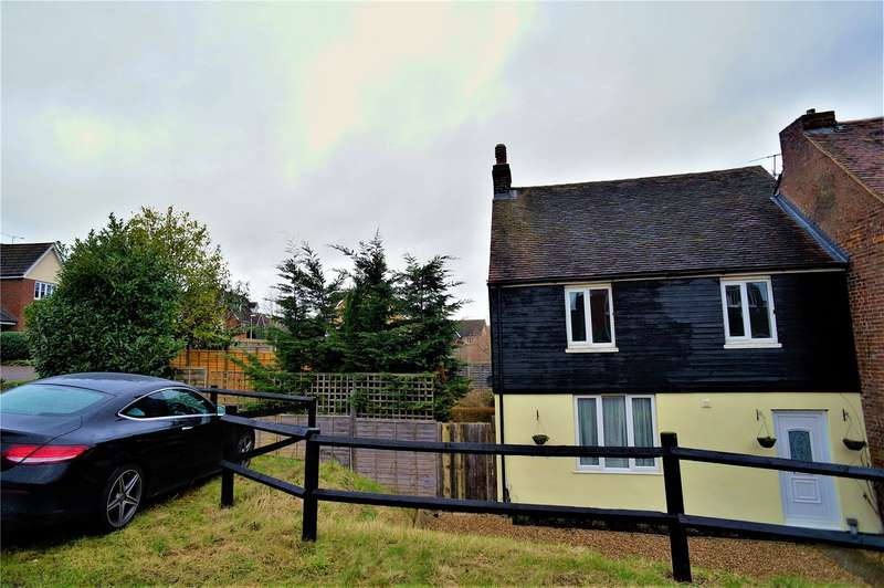 3 Bedrooms Semi Detached House for rent in Riggall Court, Cuxton, Rochester, Kent, ME2