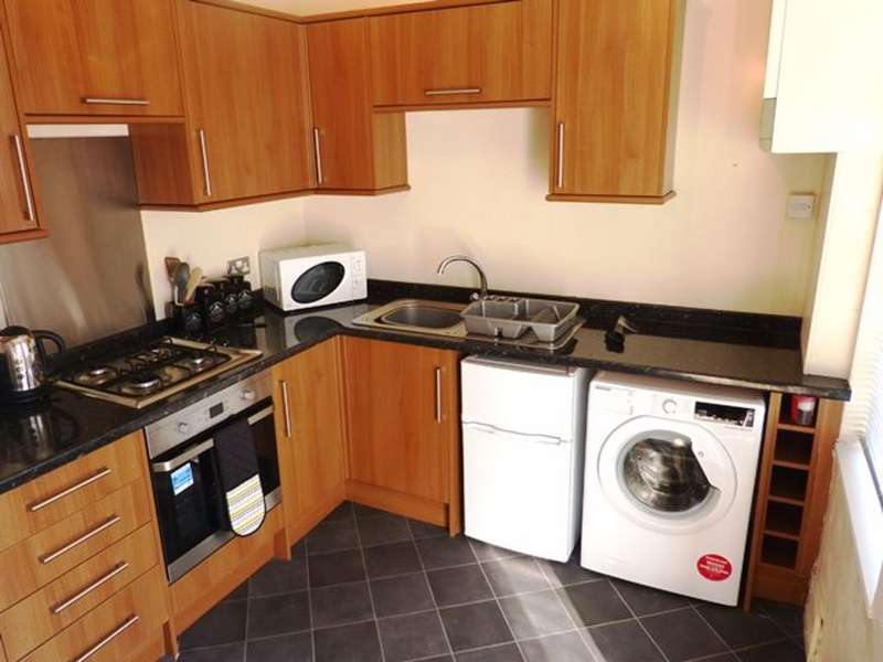 2 Bedrooms Terraced House for rent in 76 Gloucester Street, Barrow-In-Furness