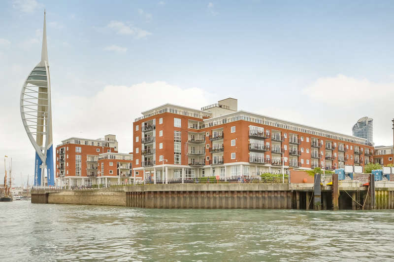 3 Bedrooms Property for sale in Old Portsmouth, Hampshire
